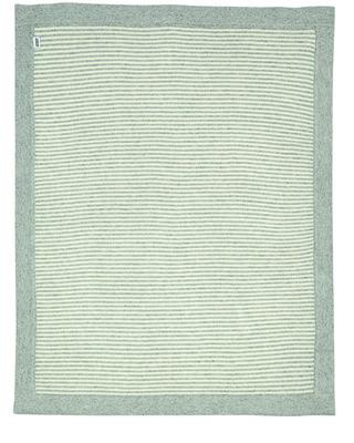 بطانية منسوجة بخطوط باللونين الأبيض والرمادي